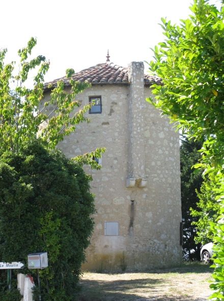 Ancien moulin à Castin